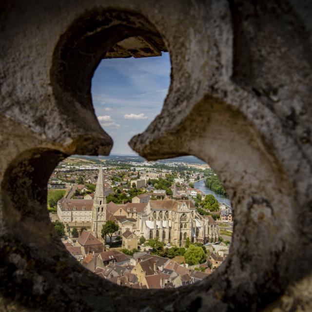 Détail + vue abbaye