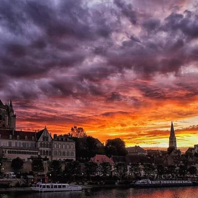 Instagram #auxerroistourisme-coucher de soleil-Auxerre-rivière