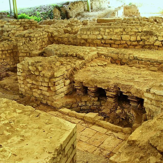 Bains site archéolgique d'Escolives