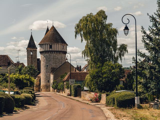 Chitry_Fort_Village